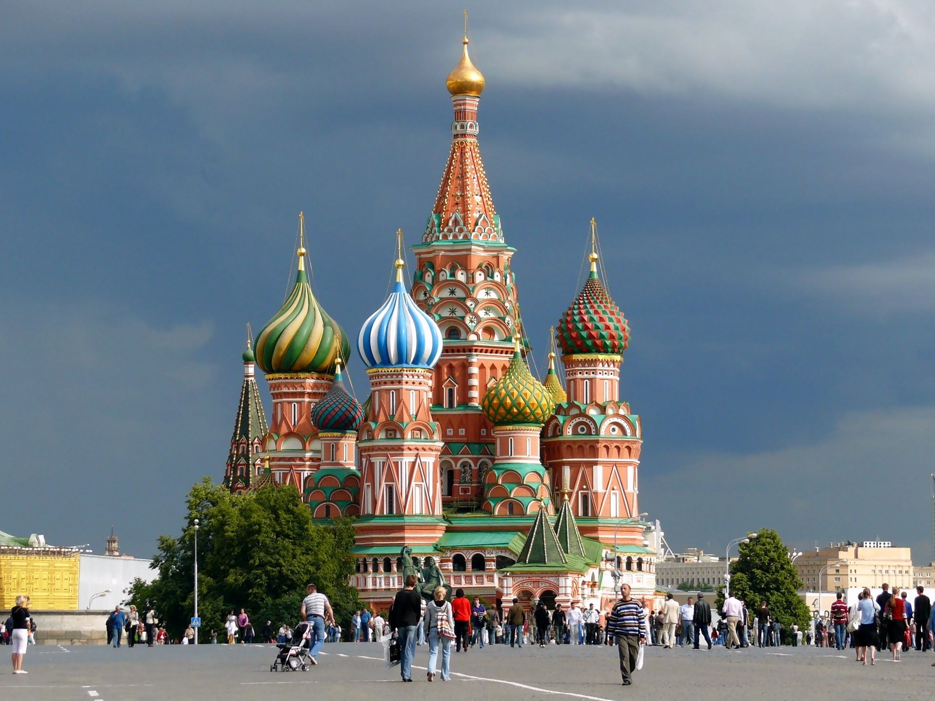 st-basil-s-cathedral-in-moscow-russia
