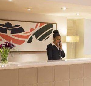 LE METIER DE RECEPTIONNISTE D'HOTEL @ Hôtel du Louvre | Tananarive | Province d'Antananarivo | Madagascar