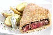 Côte de bœuf en croûte de sel, pommes de terre Charlotte et crème ciboulette