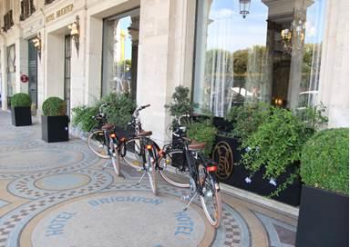 You are currently viewing Paris : des vélos électriques pour les clients d'un hôtel 4*