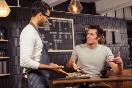 You are currently viewing Comment agir et réagir face à un client difficile ?