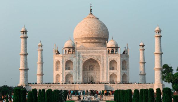 Pour réduire le nombre de touristes, le Taj Mahal augmente encore ses prix