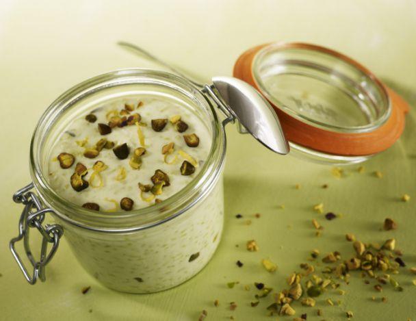 Riz au lait sicilien au citron et pistaches grillées
