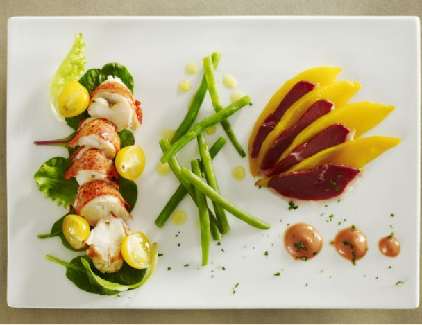 You are currently viewing Salade de homard tiède et haricots verts, julienne de mangue