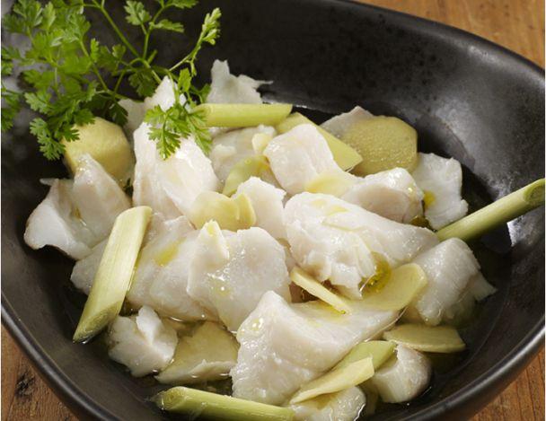 Étouffé de morue fraiche, citronnelle, gingembre, citron vert, bouillon de poule à l'huile d'olive