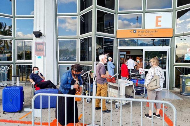 Des médecins de La Réunion demandent la limitation des voyages depuis Mayotte et les autres îles