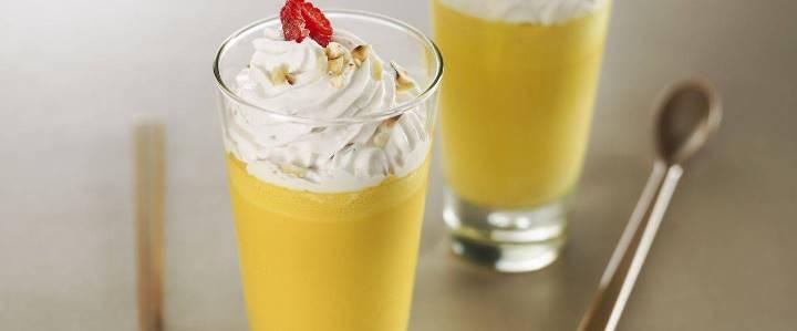 You are currently viewing Cappuccino de courge noix de beurre, framboises et noisettes grillées