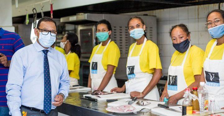 HOTELLERIE – Plus de 45 participants à la première vague de formation du programme Miatrika Covid Grand Tana destiné au secteur du tourisme